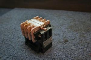 Przekaźnik 3-torowy rozbieralny.