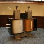 Transformator rozbieralny dużej mocy.